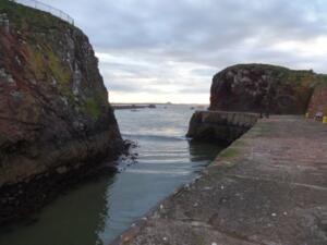 m_Blind bend into Dunbar harbour