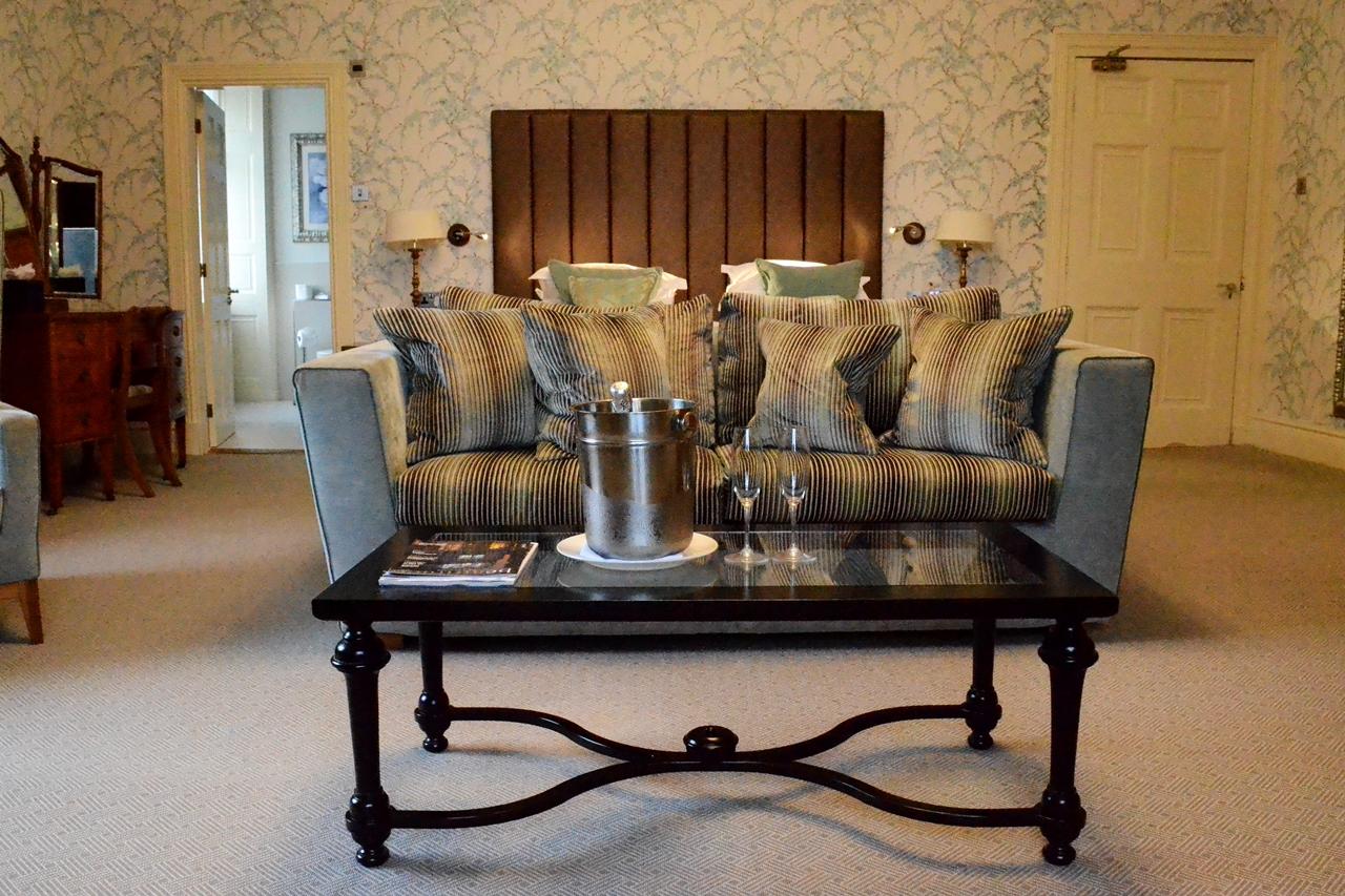 storrs halls bowness windermere executive suite bedroom