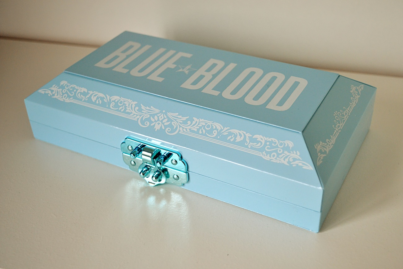blue blood box