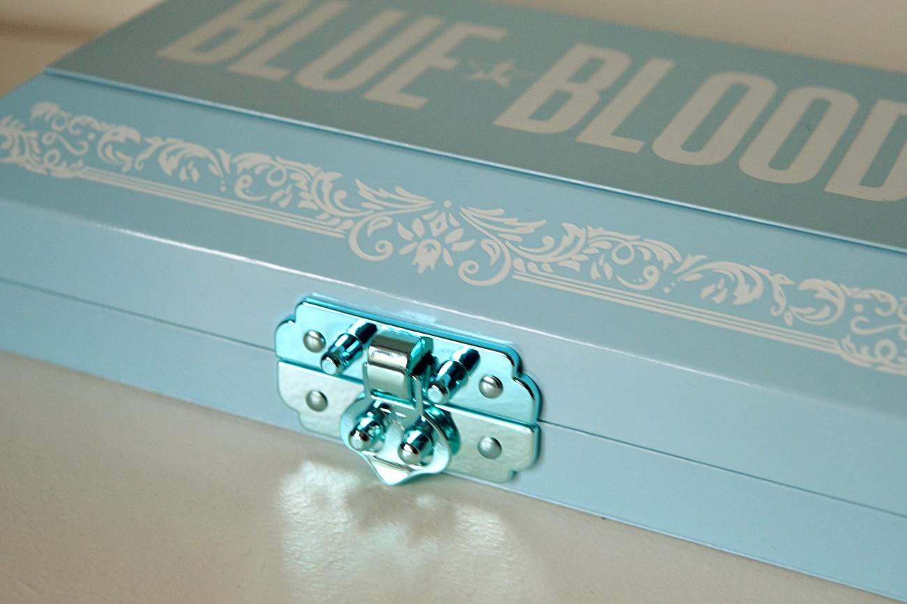 blue blood palette jeffree star