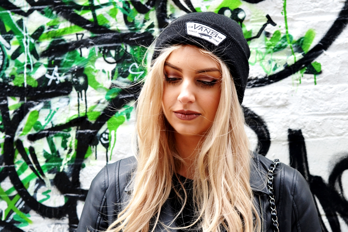 manchester blogger spotlight laura kate lucas photographer blonde hair vans