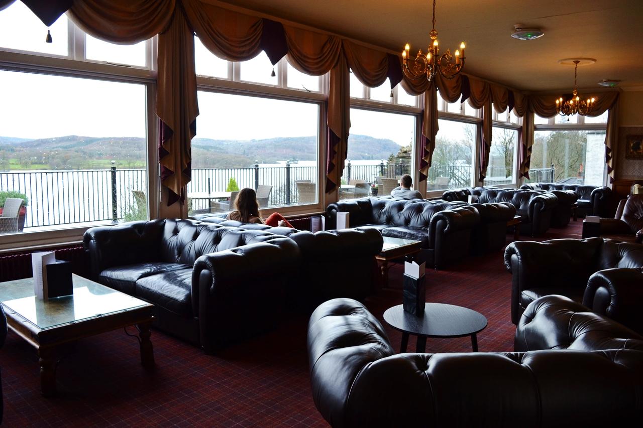beech hill hotel bar lounge area