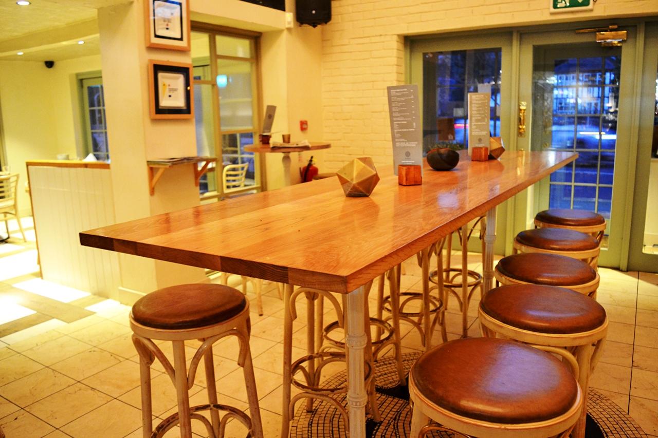 george's worsley decor bar