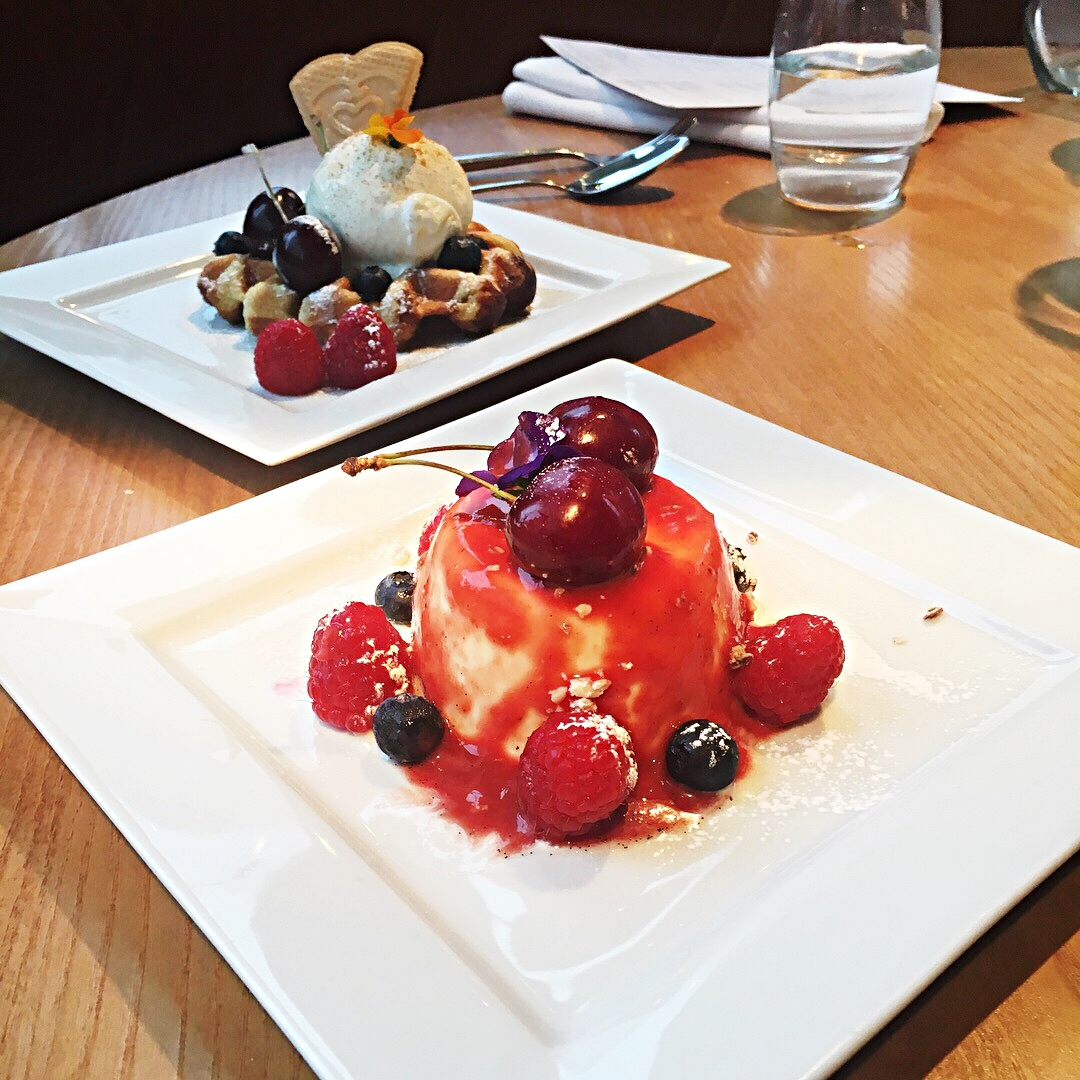 desserts don giovannis waffles berry compote manchester