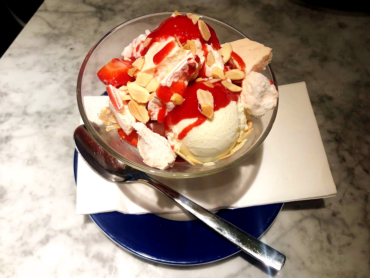 strawberry dessert carluccios