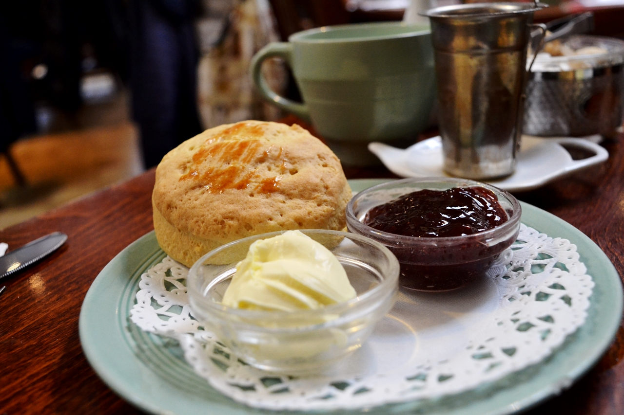 jam and scones fouteas tearoom