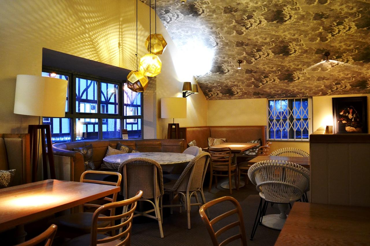 george's worsley bar