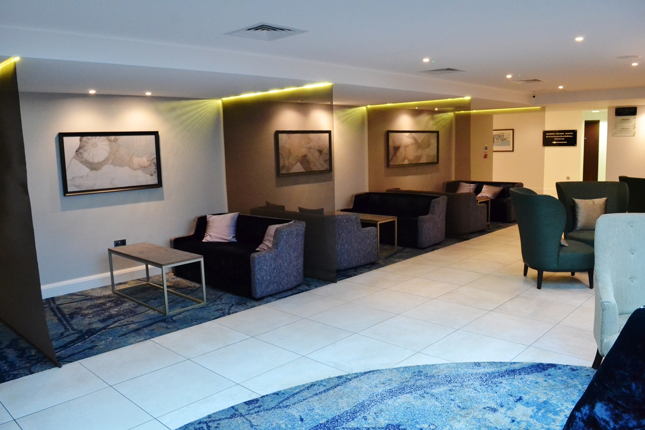 customer lobby hilton doubletree