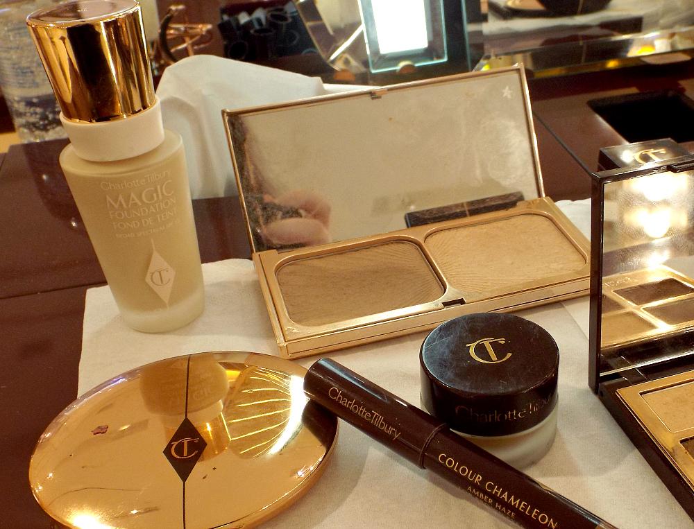 charlotte-tilbury-magic-foundation-airbrush-flawless-finish-powder-filmstar-bronze-and-go