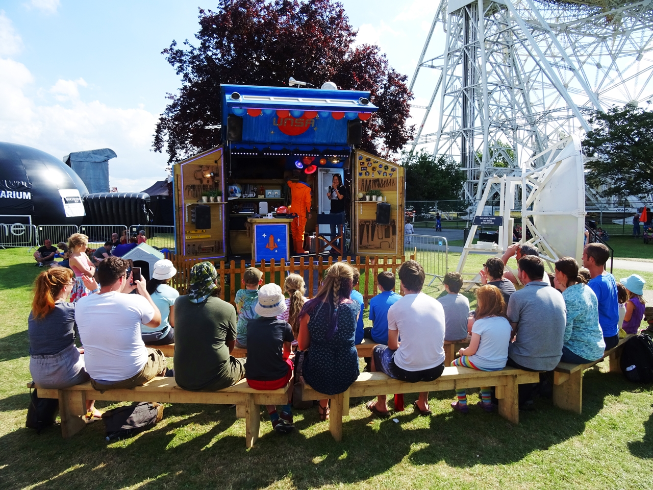 bluedot festival spaceman 2017