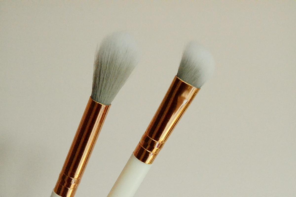 highlighter eyeshadow brush hololighter wilko