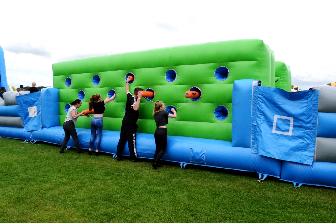 the labyrinth challenge inflatable course uk