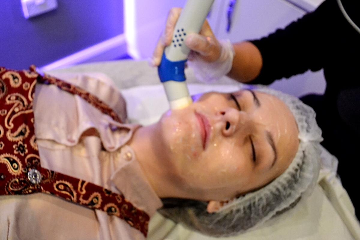 Skin Health Spa Harvey Nichols Review transderm facial flint + flint