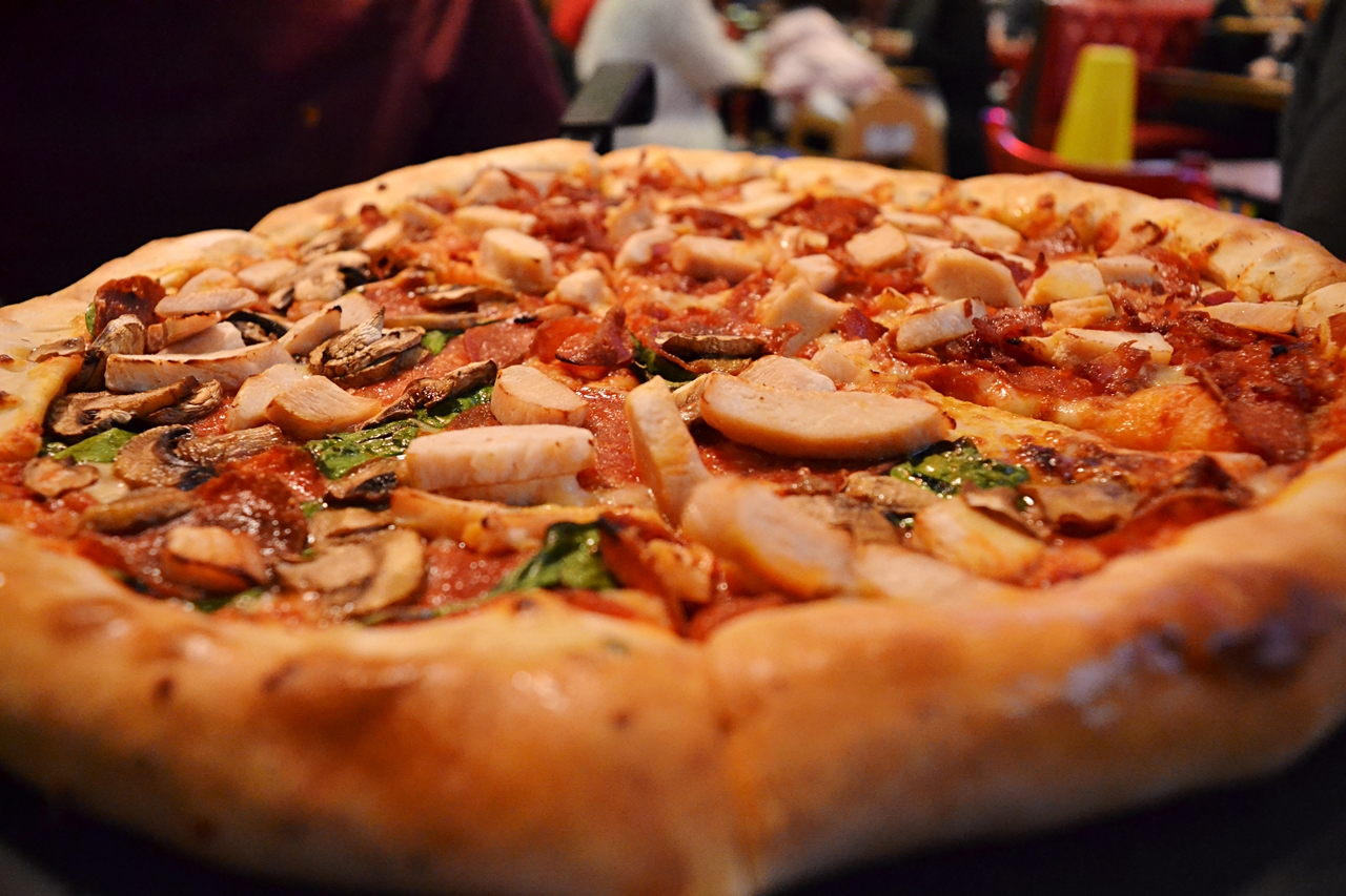 half and half meat pizza hut