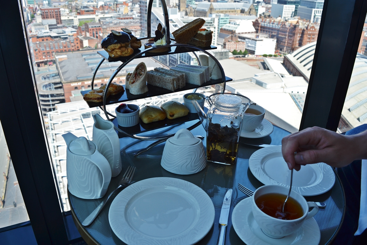 cloud 23 afternoon tea champagne free flowing