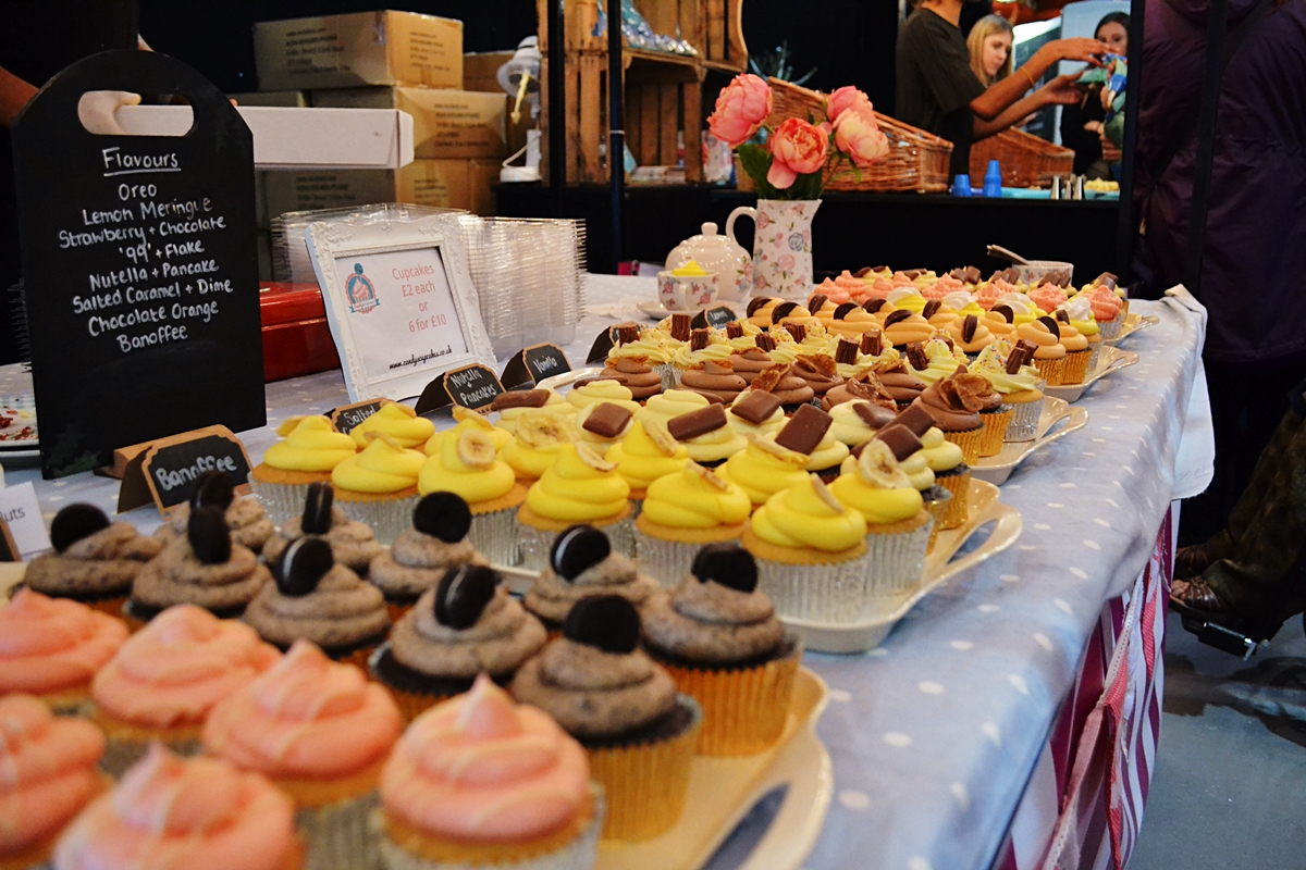 cake and bake show event city manchester 2016 flavoured cupcakes