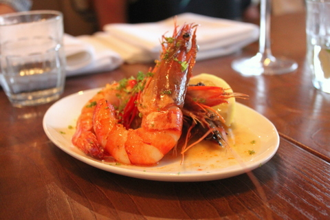 King prawns pan-fried with chilli and lemon