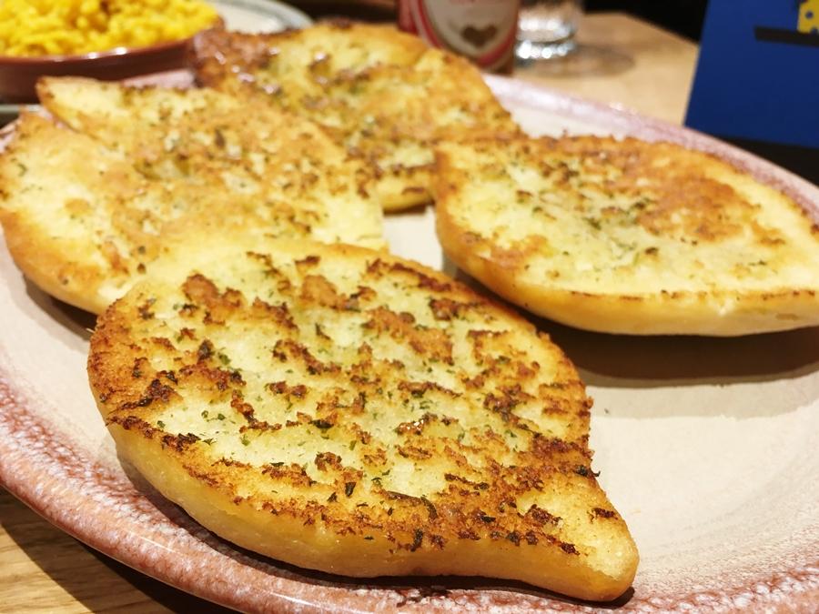 nandos manchester picadilly garlic bread
