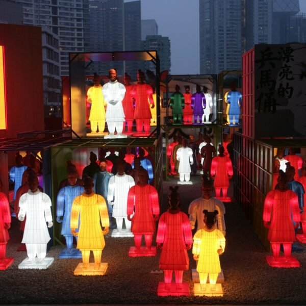 Lanterns of the Terracotta Warriors in Shanghai - credit Beijing Chaoyang Cultural Centre-2[1]