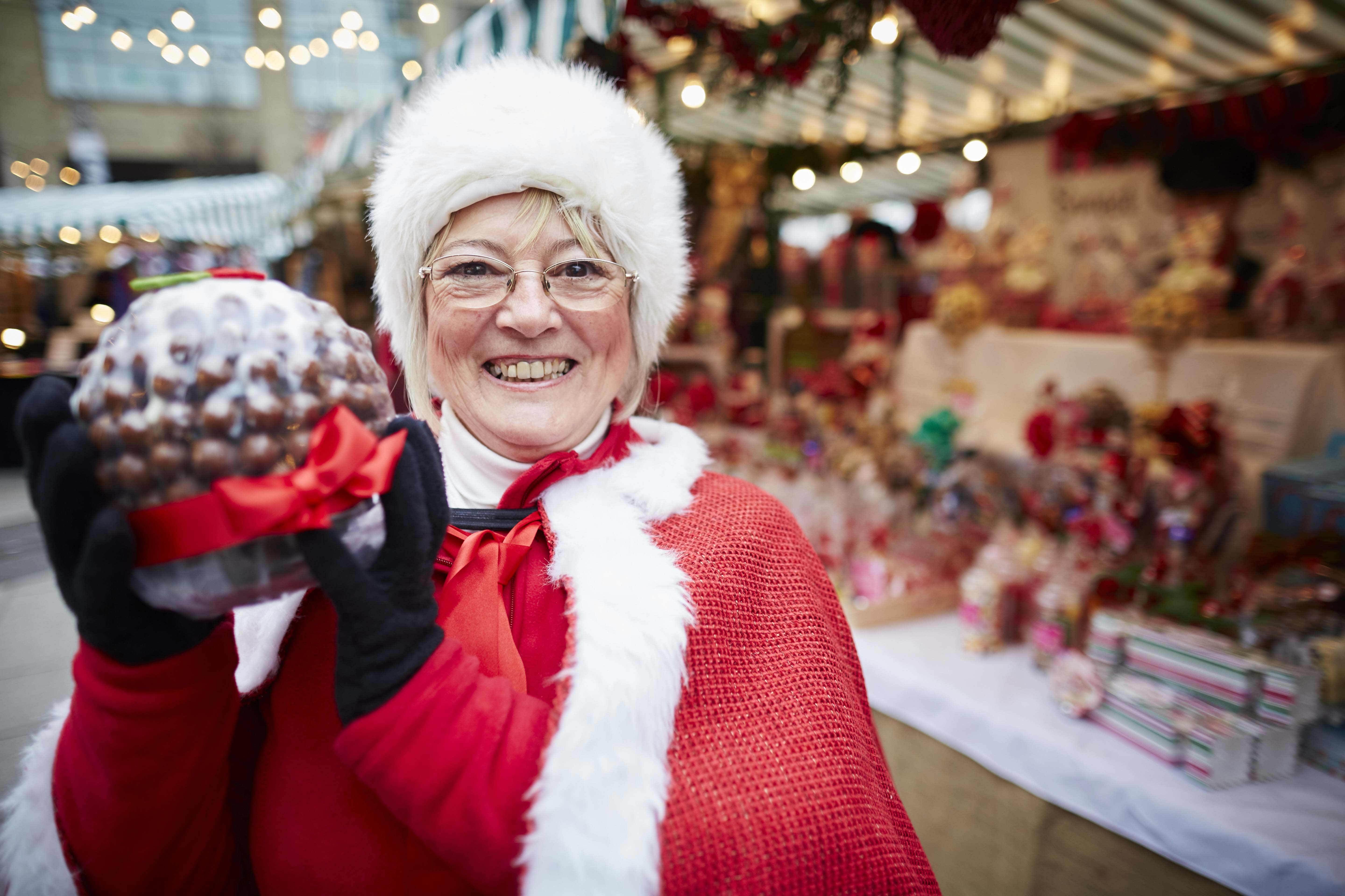 Victorian Christmas Market at the Lowry Outlet at Media City. Maureen Howarth from sweetshop Balloomin Marvellous (cor)