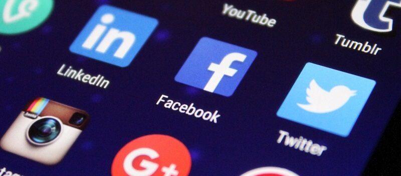 new social media model influencer blogger plus size
