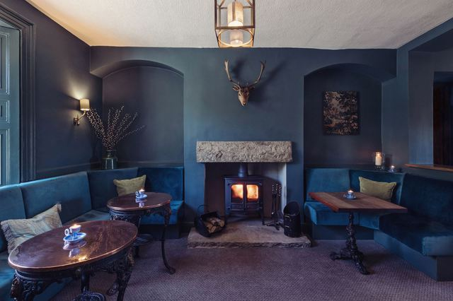 Win Sunday Lunch for 4 at the Harts Head