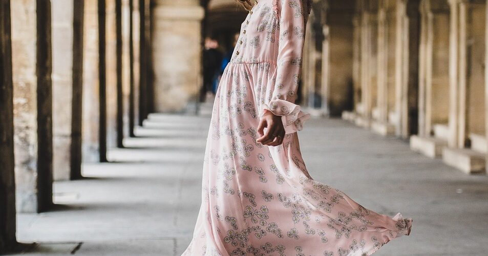 how to style a midi dress autumn