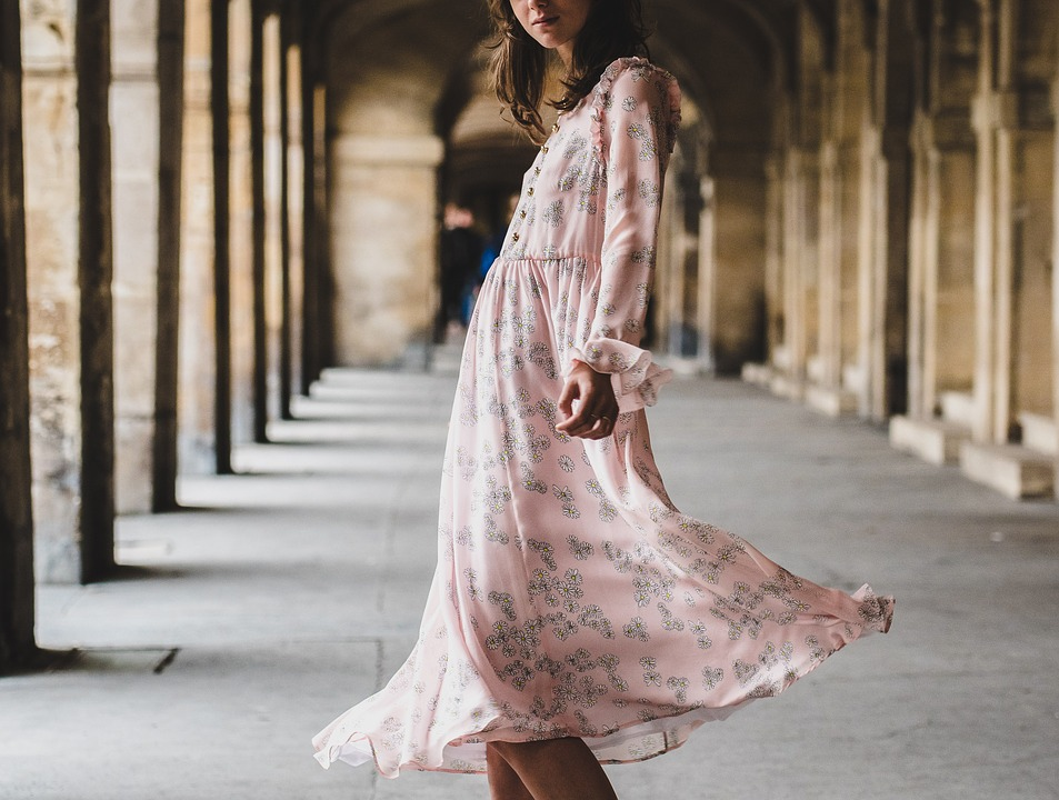 how to style a midi dress autumn