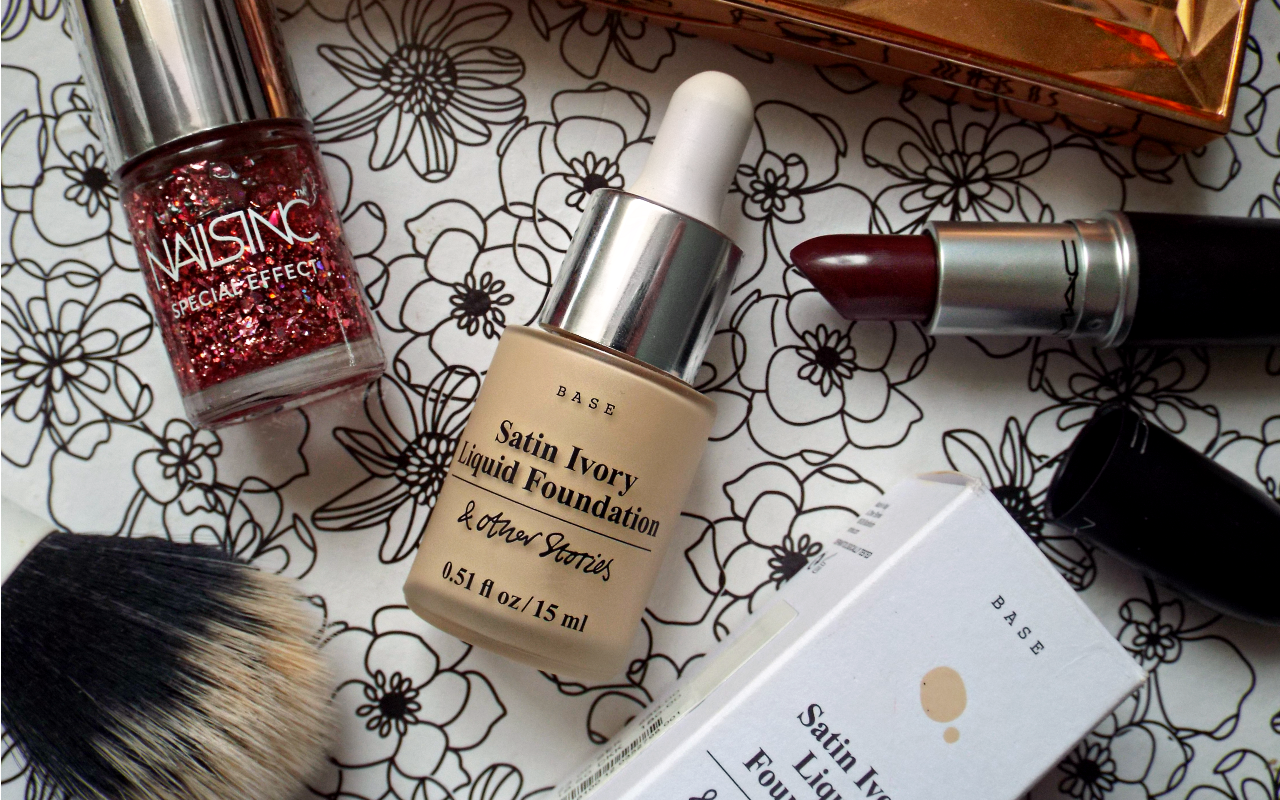 & Other Stories Satin Ivory Liquid Foundation Review