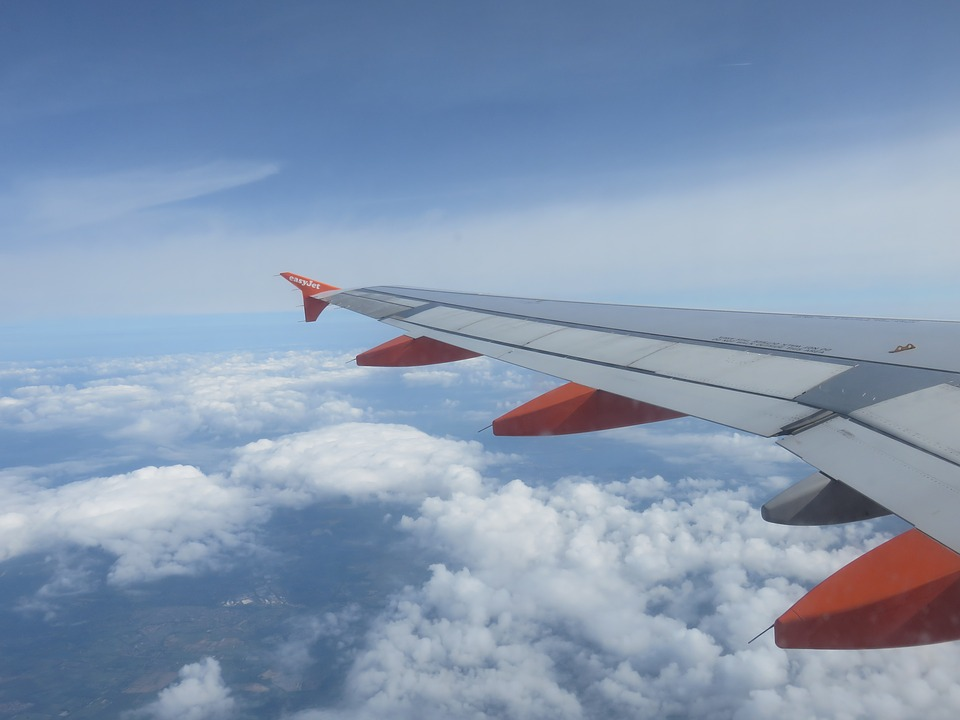 manchester airport easyjet news