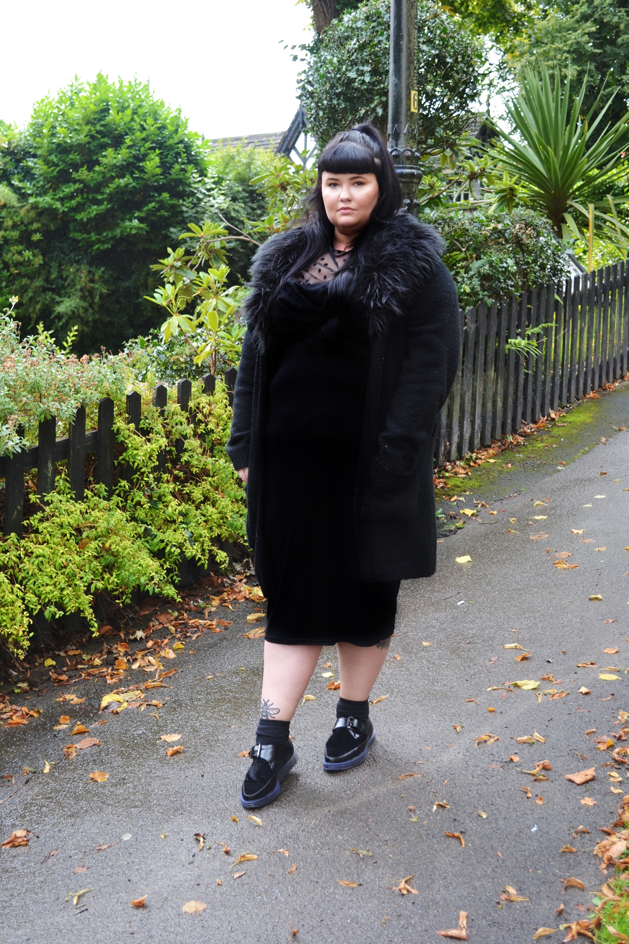 trends aw17 plus sized fashion curves black clothing
