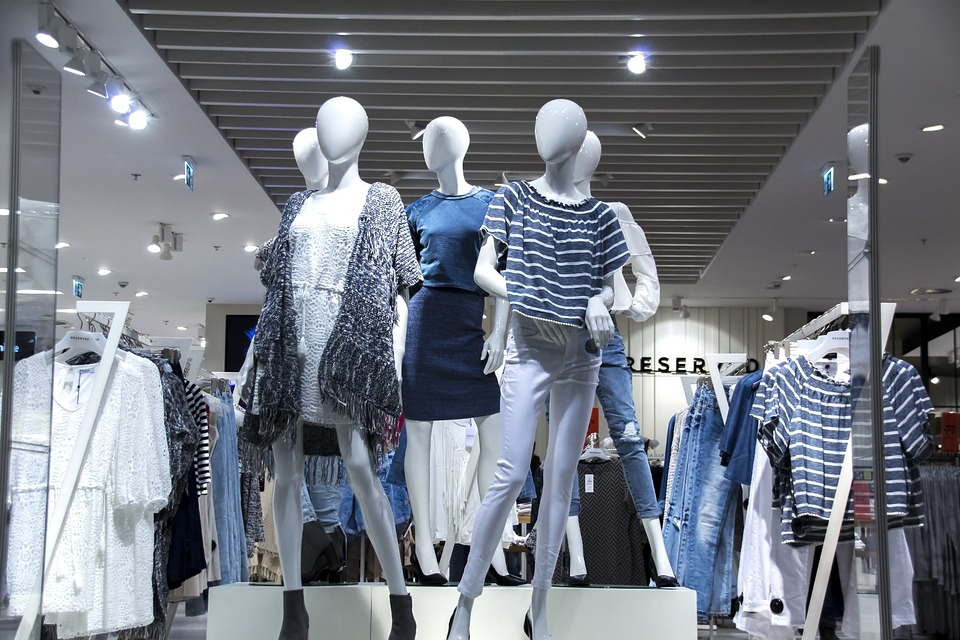 fashion jobs merchandising ecommerce store
