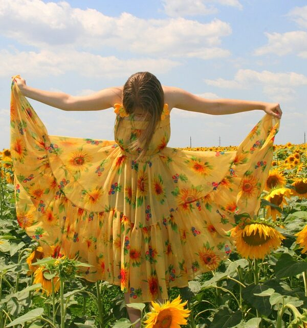 Ways to wear Sunflowers this season