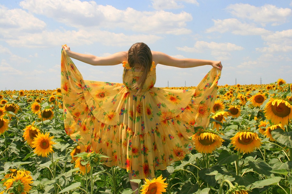 how to wear sunflower yellow fashion