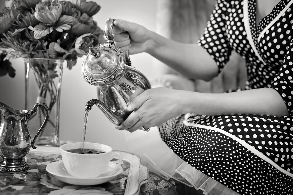 The Best Contemporary Tea Dresses