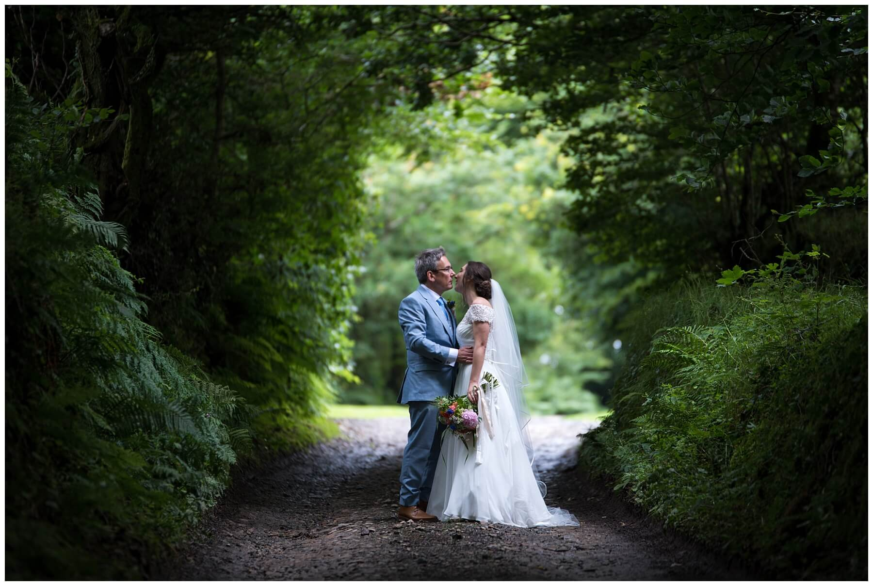 Cornwall Wedding Photographer – Trevenna Barn Wedding