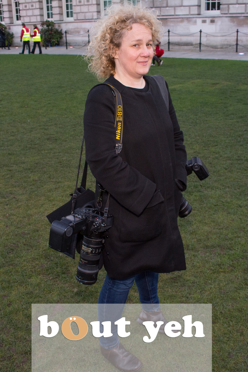 Female photographer, Belfast City Hall. Photo 2557.