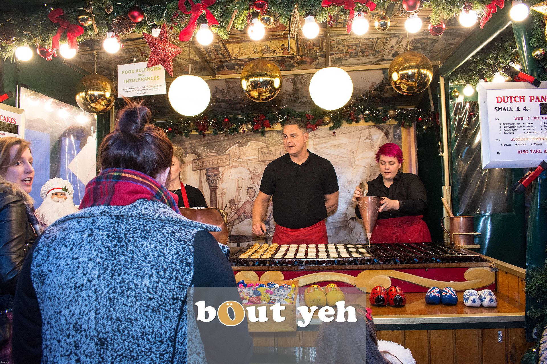 Dutch traders at Belfast Continental Christmas Market in Belfast - bout yeh photographers Belfast photo 3269.