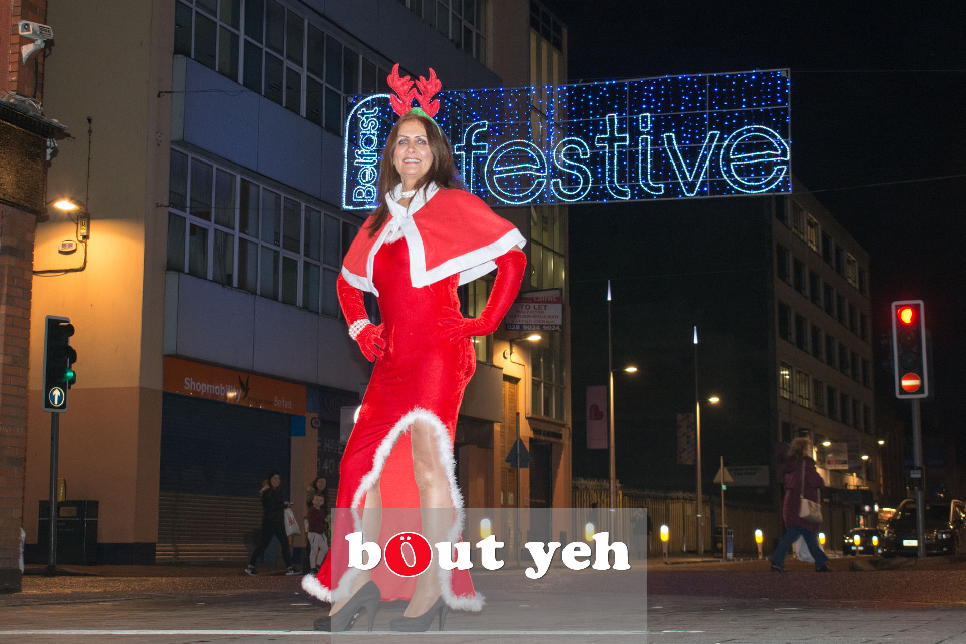 Woman wearing Christmas outfit in Belfast - bout yeh photographers Belfast photo 3374.