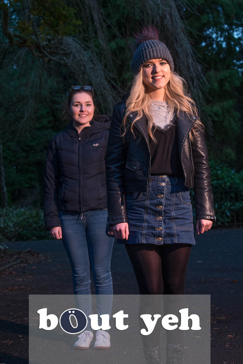 Student friends in Botanic Gardens, Belfast - photo 4341.