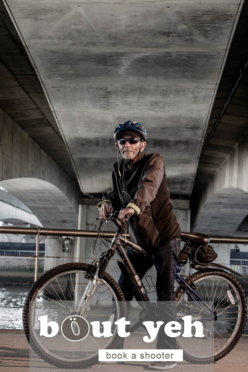 Jerry with bike under Dargan Bridge, Belfast - photo 5044.