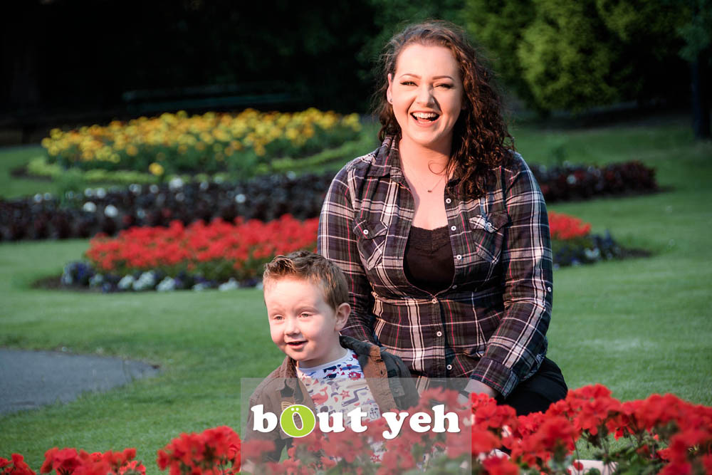 Chanelle and Leo, Botanic Gardens, Belfast, Northern Ireland - bout yeh photographers Belfast photo 7108. Featured image.