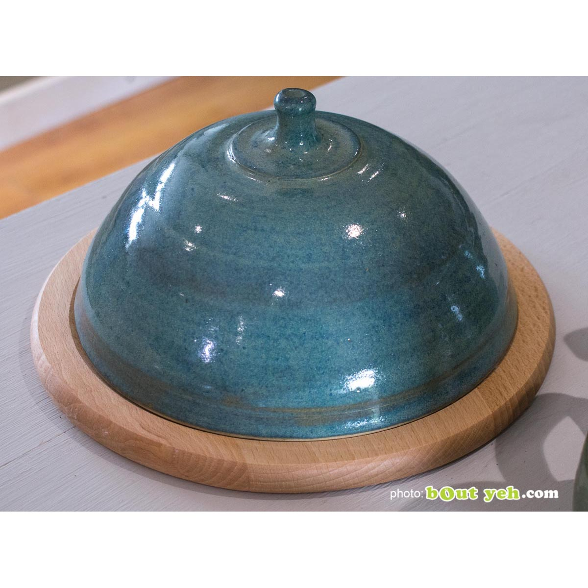 Cheeseboard bell and board - contemporary hand made Irish pottery. Photo 1471