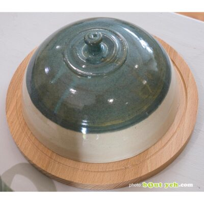 Irish ceramics - green and cream cheeseboard bell and serving board, photo 1468