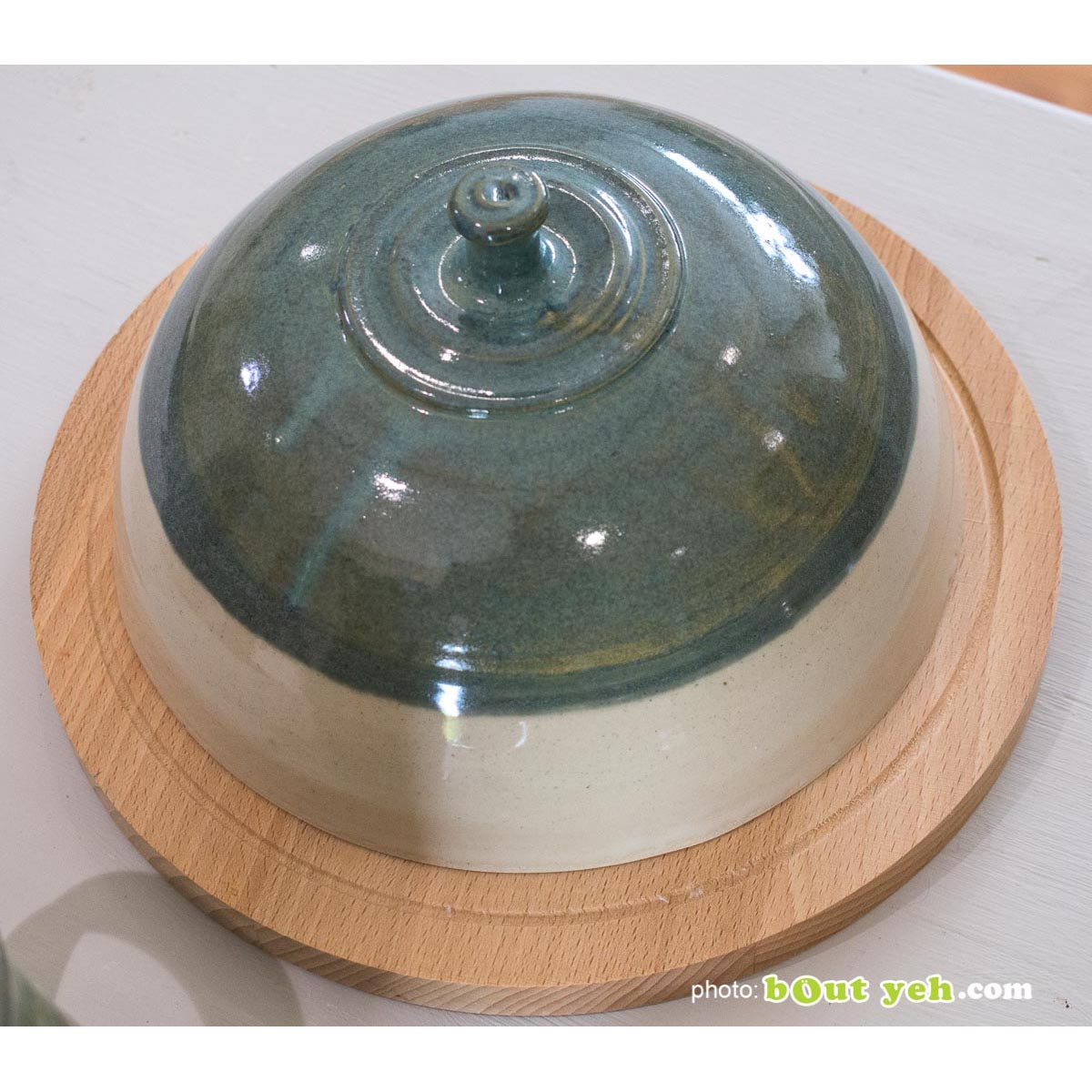 Green and cream cheeseboard bell and serving board - contemporary Irish ceramic pottery for sale. Photo 1468