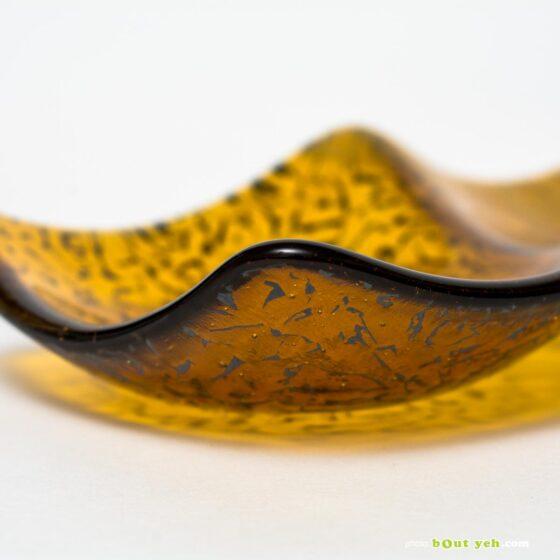 Streaky mid amber and white wisps hand made glass plate - Irish Glassware photo 1587