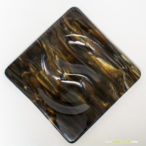 Ying yang square bullseye glass plate with copper patternation photo 1592