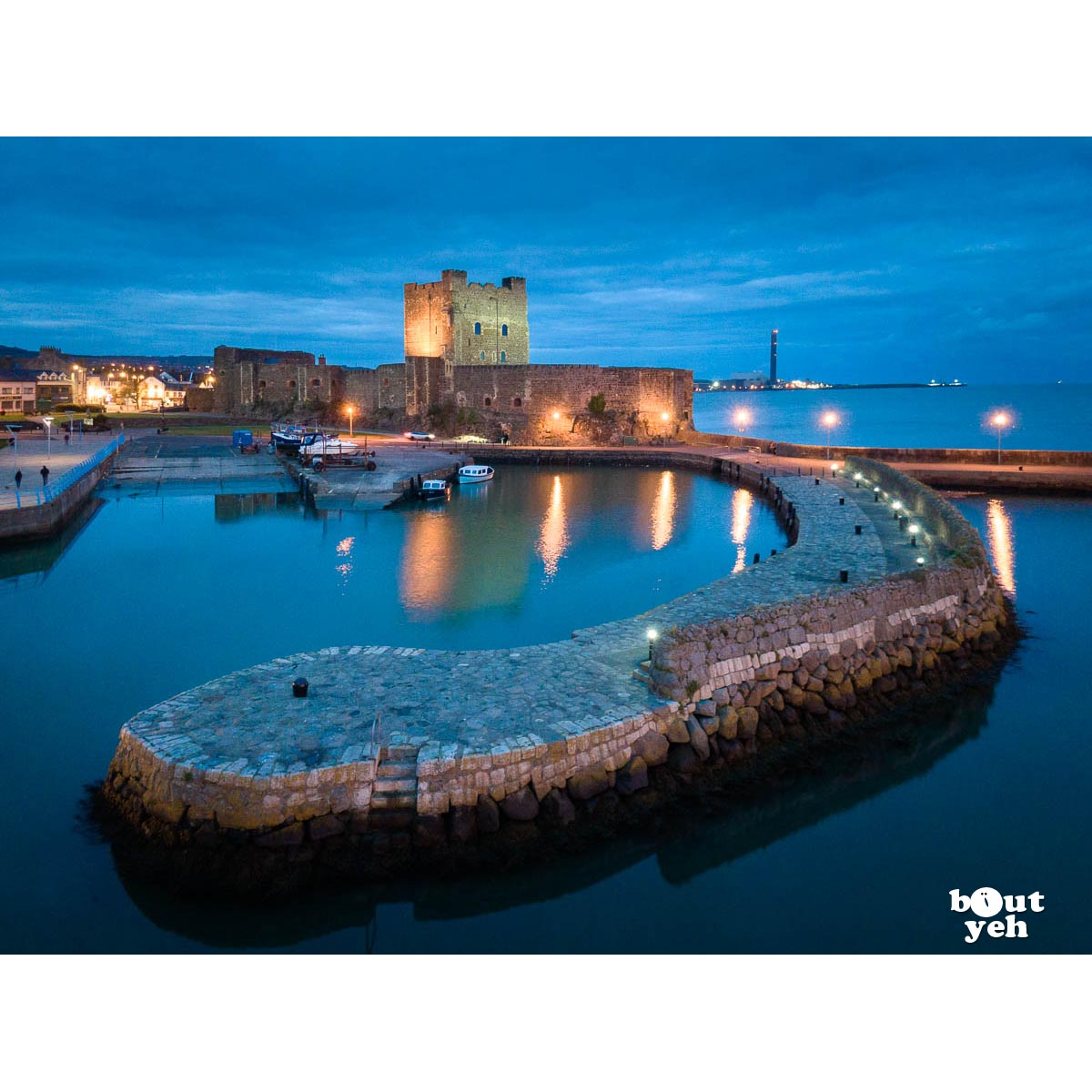 Aerial photograph of Carrickfergus Castle and pier - photo 100 0181 0001