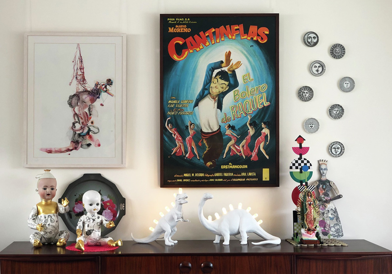 Get the hang of displaying art on your dining room wall