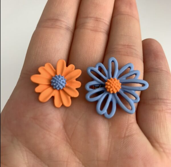 Lila Blue Daisy Earrings